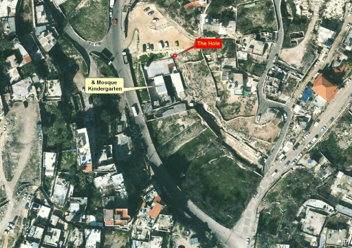 Map by Peace Now's Hagit Ofran showing the site of a collapse, near a mosque and kindergarten.